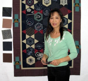Miho Takeuchi teaching a patchwork / hexagon class